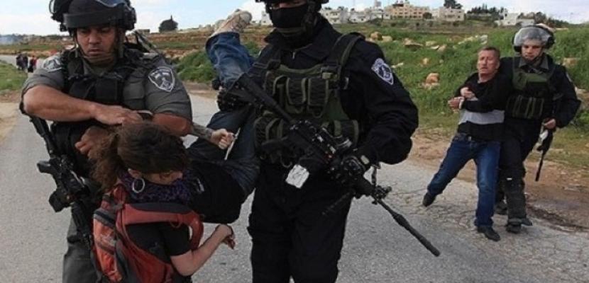 الاحتلال الإسرائيلي يعتقل 12 مواطنا فلسطينيا من الضفة الغربية