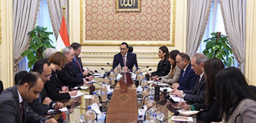 خلال لقائه رئيس الوزراء.. مدير الوكالة الأمريكية للتنمية الدولية: الولايات المتحدة فخورة بالشراكة الاستراتيجية مع مصر