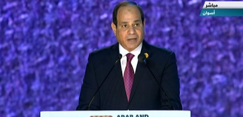 """بالفيديو.. في ختام ملتقى الشباب العربي والإفريقي.. الرئيس السيسي يطلق مبادرة للقضاء على فيروس """"سي"""" لمليون إفريقي"""