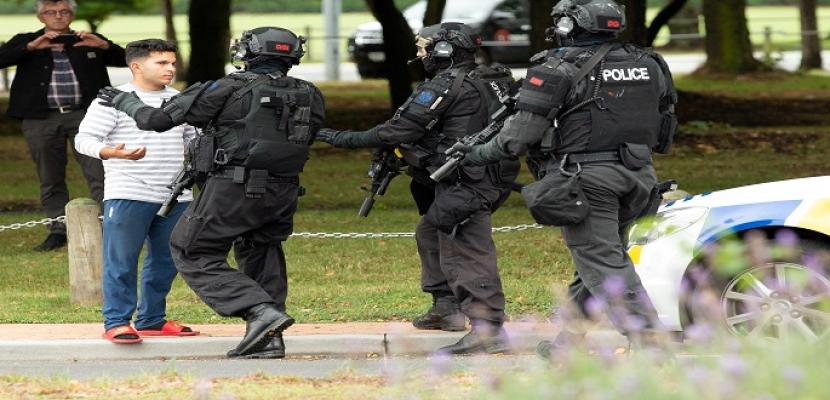 بالصور..ارتفاع عدد ضحايا الهجوم المسلح على مسجدين في نيوزيلندا إلى 40 قتيلا و20 جريحا