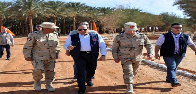 بالصور.. الرئيس السيسي يتفقد عددا من المشروعات التنموية بمنطقة توشكى