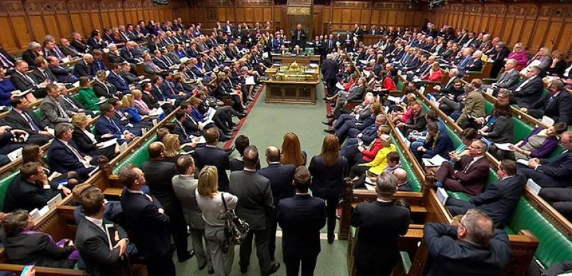"""البرلمان البريطاني يوافق على اقتراح يسمح للحكومة بتأجيل موعد """"البريكست"""""""