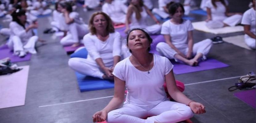 الانتظام في ممارسة اليوجا يؤدي إلى انخفاض ضغط الدم
