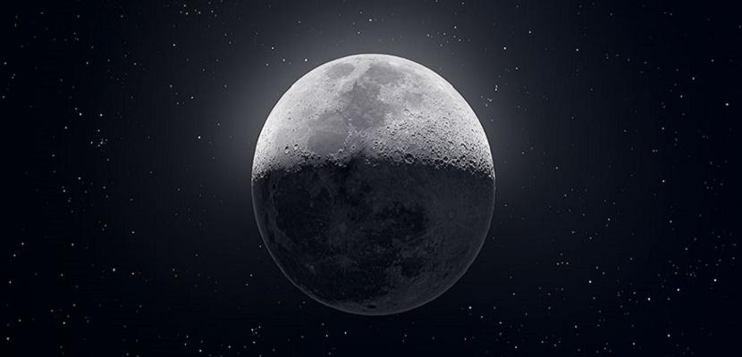 للقمر .. أوجه ساحرة