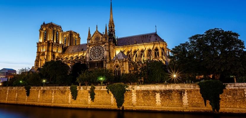 """كاتدرائية """"نوتردام"""".. رمز باريسي لافت وشاهد على التاريخ"""