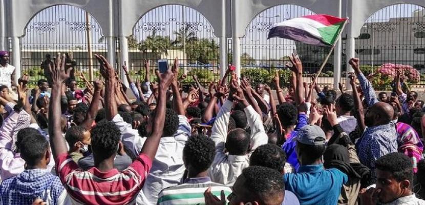 قادة الاحتجاجات في السودان يطالبون بحل المجلس العسكري الانتقالي