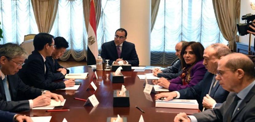 رئيس الوزراء يلتقى رئيس المؤسسة الصينية للاستشارات الهندسية الدولية لبحث أطر التعاون في المشروعات