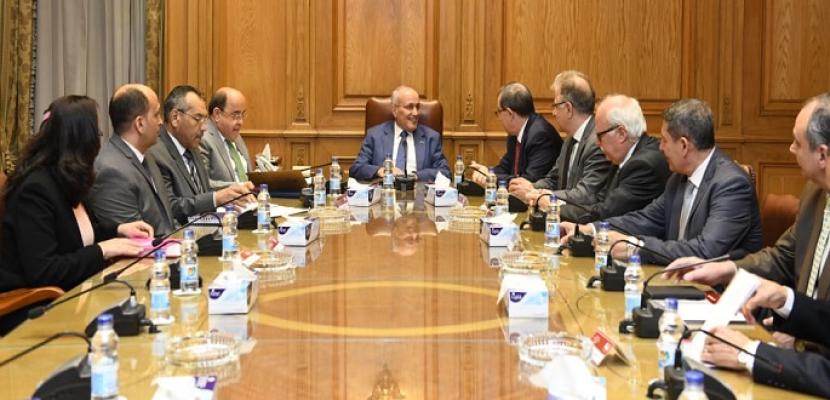 وزير الدولة للانتاج الحربى يبحث مع وفد شركة بيكتل الأمريكية سبل التعاون المشترك