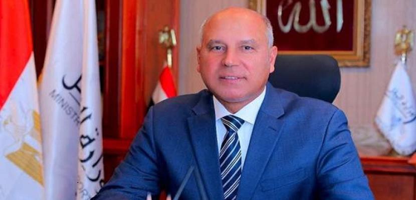 وزير النقل يتابع معدلات صيانة وإعادة تأهيل عدد من الطرق