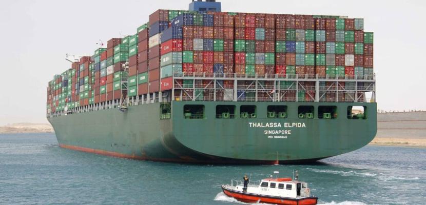 مميش: قناة السويس تسجل رقما قياسيا بعبور 66  سفينة بحمولات 4 ملايين طن