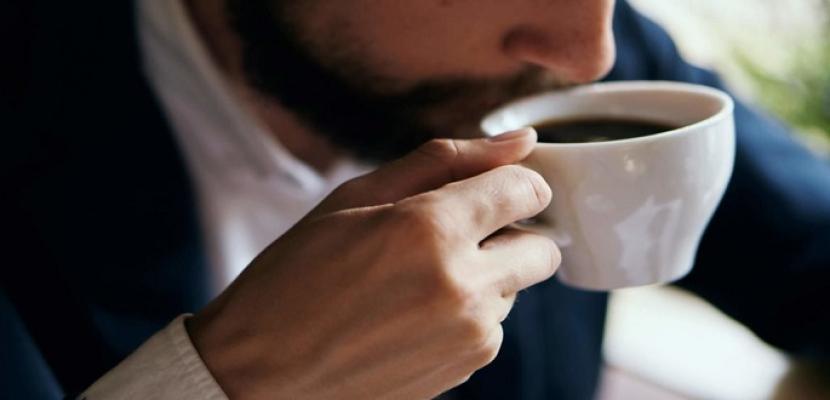شرب أكثر من 6 أكواب من القهوة يوميا يزيد خطر أمراض القلب بنحو 22%