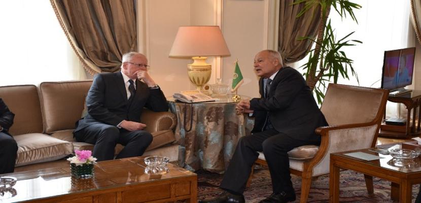 أبو الغيط يبحث مع الممثل الأمريكي المعني بالأزمة السورية أخر مستجدات الوضع