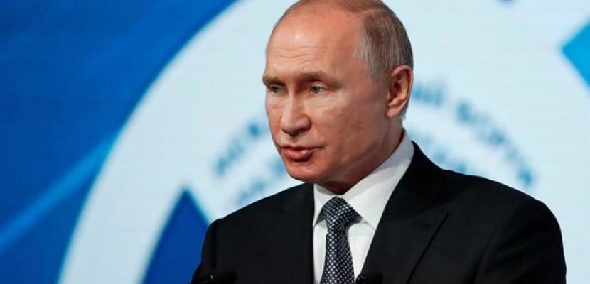 رئيسا روسيا وأوكرانيا ناقشا هاتفيا تسوية الصراع في شرق أوكرانيا