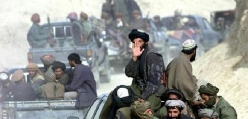 مقتل ثلاثة مسلحين من طالبان وسط أفغانستان