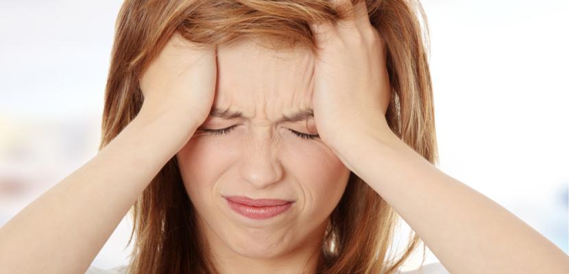90% من المصريين يعانون من الصداع غير العضوي