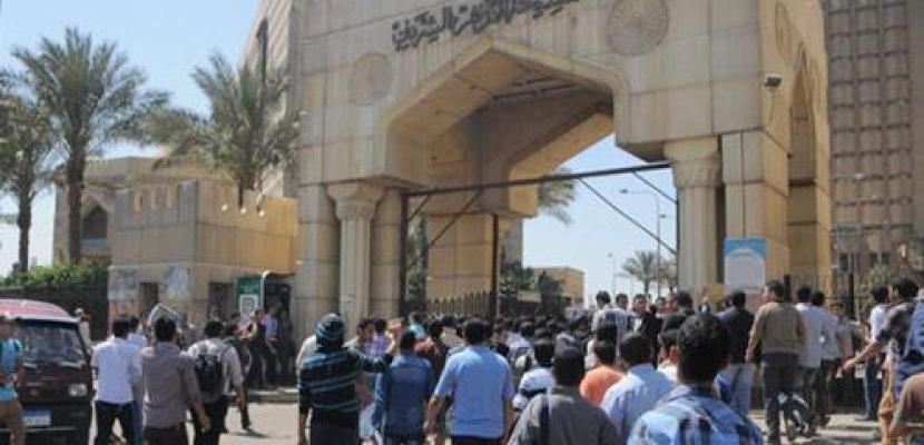 اشتباكات عنيفة بين الأمن وطلاب الاخوان بعد محاولتهم اقتحام المشيخة