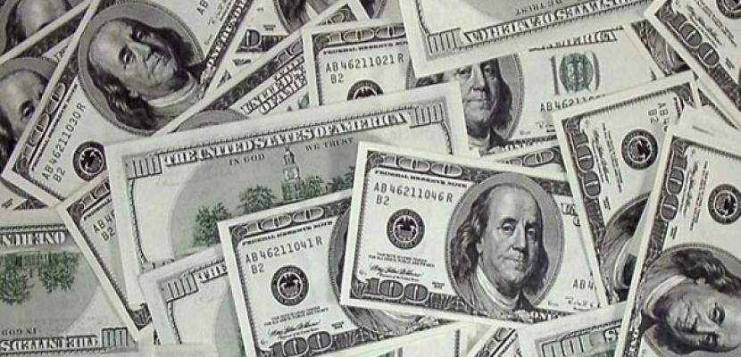 الدولار يرتفع قبل قرار المركزي الأمريكي