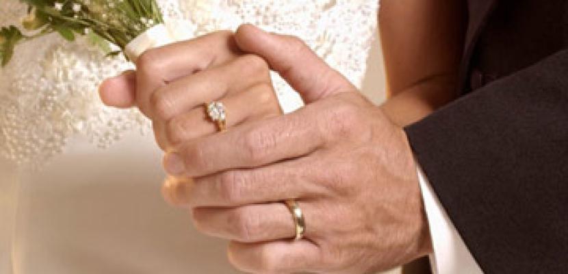استاذ الفقه يدعو الاسر لعدم المبالغة فى مطالب الزواج