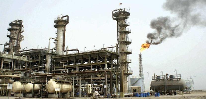النعيمي: النفط الصخري يساهم في استقرار أسواق الخام