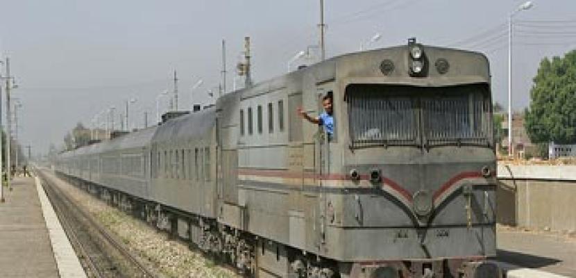 تشغيل 11 قطارا بين أسوان والمنيا بعد وقف الحركة الى القاهرة