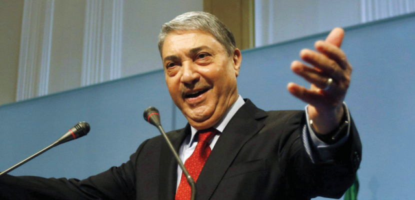 """""""بن فليس""""يعلن ترشحه للانتخابات الرئاسية الجزائرية منافسا لـ""""بوتفليقة"""""""