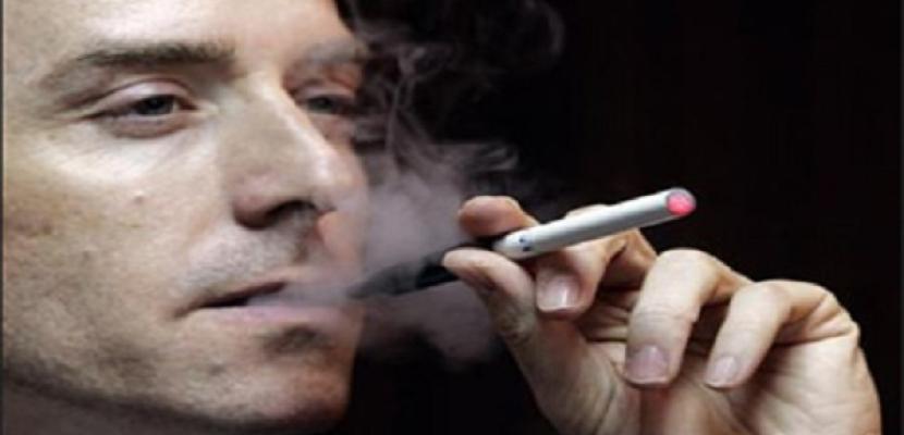 التدخين يهدد عيون الرجال بالمياه البيضاء