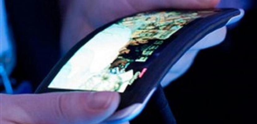 «إل جي» تطرح هاتفها «المقوس» في السوق الأميركية