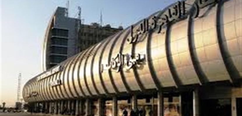 عودة الطائرة الثانية التى تقل المصريين من ليبيا وعليها320 راكبا
