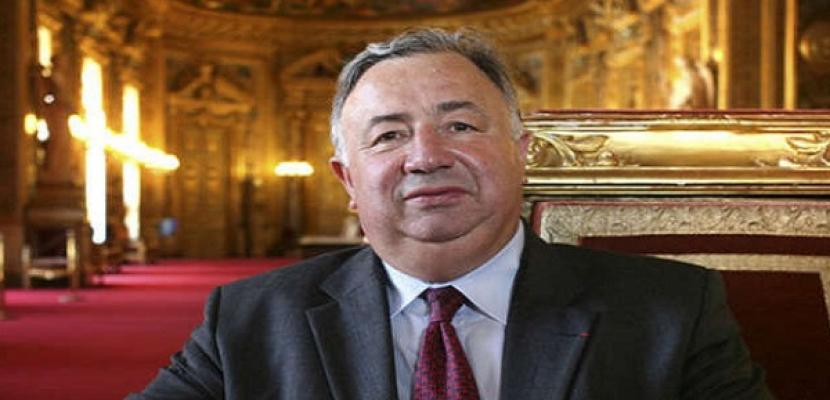 انتخاب مرشح اليمين جيرار لارشيه رئيسا لمجلس الشيوخ الفرنسي