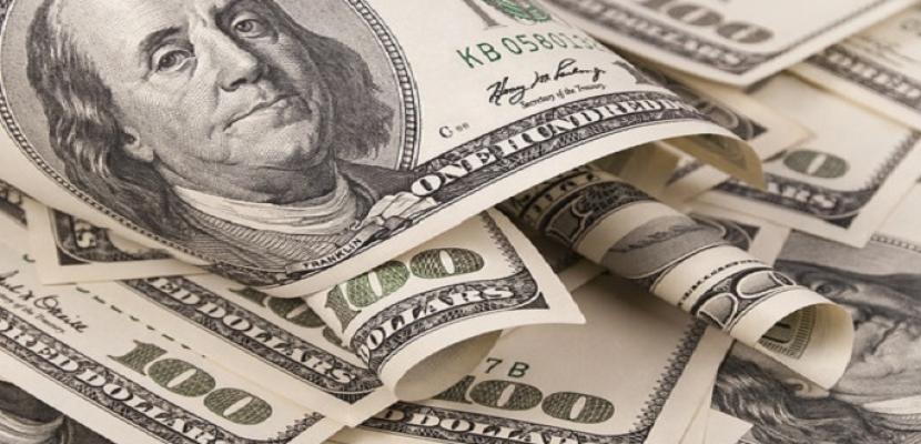 الدولار يخسر 12 قرشا أمام الجنيه منذ بداية أكتوبر الجاري