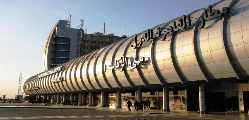 وصول آخر فوج من أداء عمرة شعبان إلى مطار القاهرة