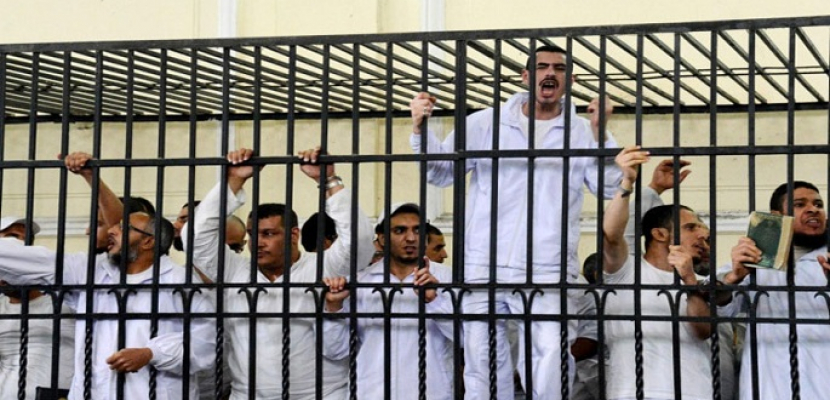 """تأجيل إعادة محاكمة 48 متهما في """"اقتحام قسم التبين"""" إلى جلسة بعد غد"""