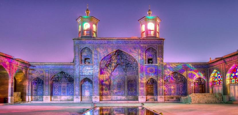 المسجد الوردى فى إيران .. فخامة المعمار وروعة الابداع