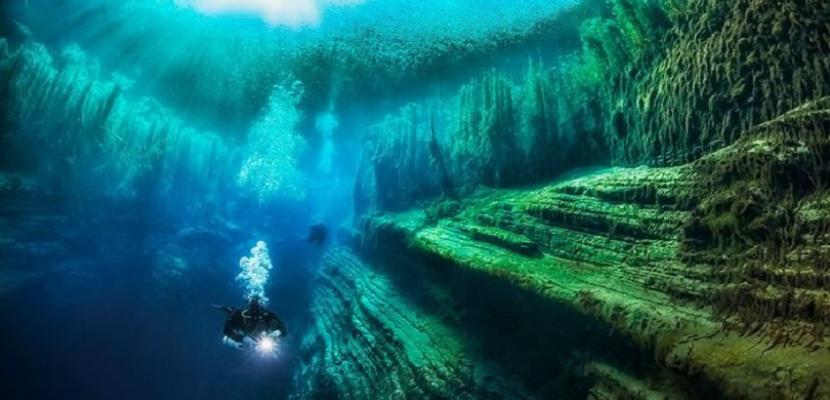 سحر الكهوف .. حتى تحت الماء