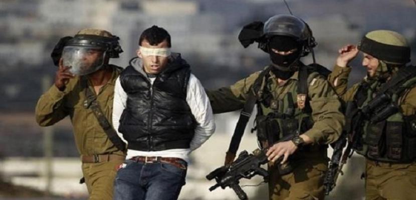 الاحتلال الإسرائيلي يعتقل 12 فلسطينياً من الضفة الغربية