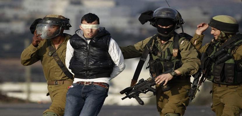 مستوطنون يقتحمون الأقصى .. واعتقالات في القدس