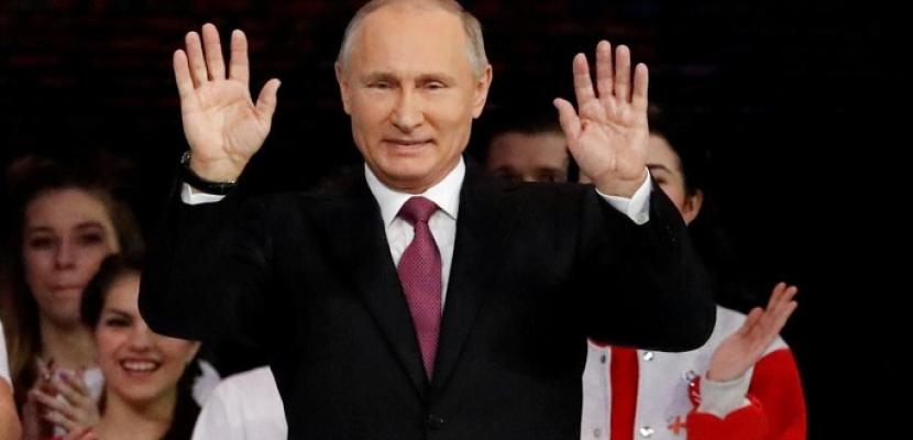 """الروس يمنحون بوتين حق تمديد حكمه حتى 2036 بأغلبية ساحقة.. والكرملين يصف الفوز بأنه """"انتصار"""""""