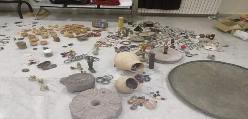 اكتشاف 900 قطعة أثرية عمرها 1400 عام جنوب غربي الصين