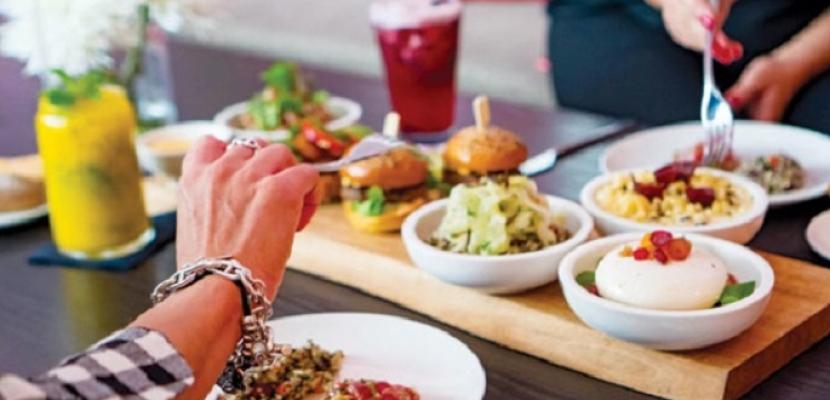 دراسة تؤكد تأثير توقيت الوجبات على إيقاعات الجسم وصحة التمثيل الغذائي