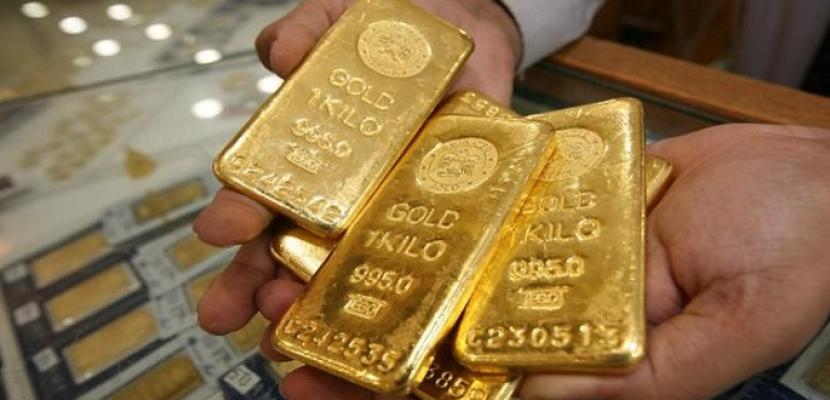 الذهب بصدد أول خسارة أسبوعية بسبب صعود الدولار وتبدد آمال التحفيز