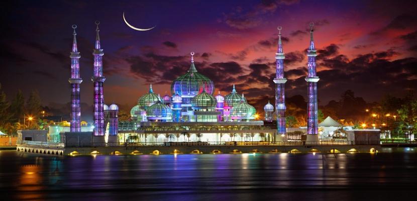 مسجد الكريستال في ماليزيا .. عنوان الإبهار والإبداع