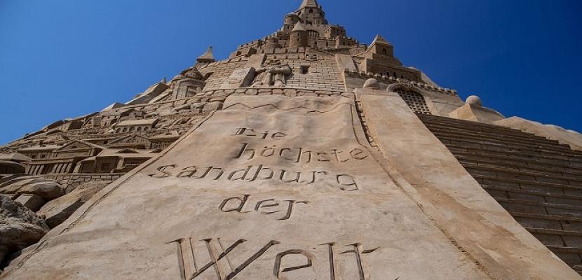 أكبر قلعة مبنية من الرمال في ألمانيا تدخل موسوعة جينيس