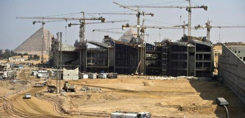 الإسكان والآثار تتابعان مشروعات تطوير سقارة والمتحف المصرى الكبير