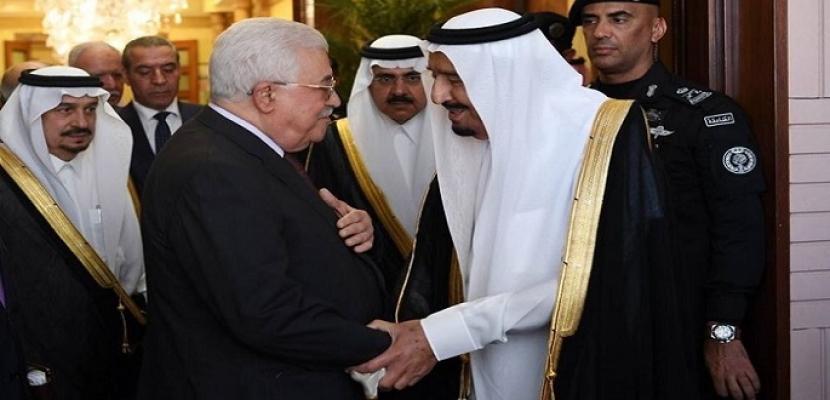 خلال اتصال هاتفي.. الملك سلمان يؤكد للرئيس الفلسطيني على الموقف السعودي الداعم للقضية الفلسطينية