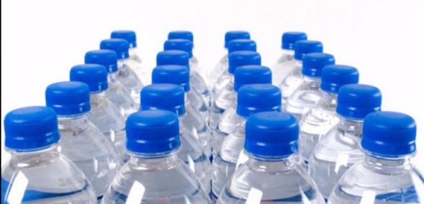 """""""مركز السيطرة على الأمراض"""" يتتبع المواد الكيميائية الخطرة في زجاجات المياه"""