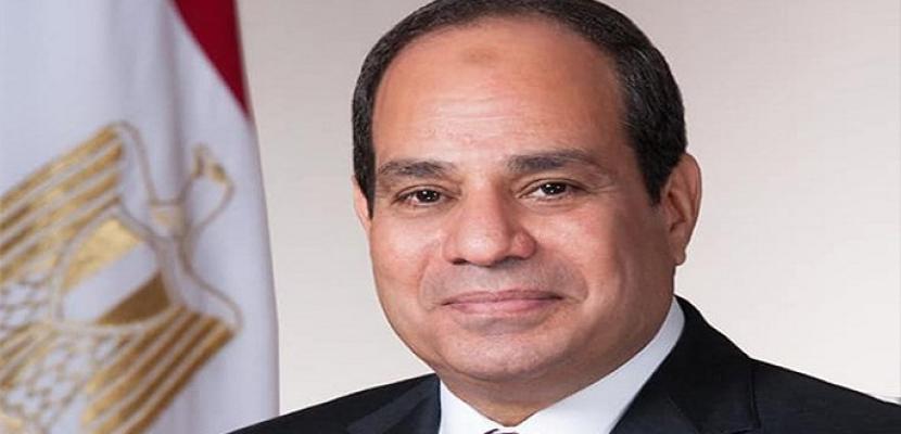 الرئيس السيسي يوفد مندوباً لتقديم العزاء لاسرة الفنان محمود ياسين