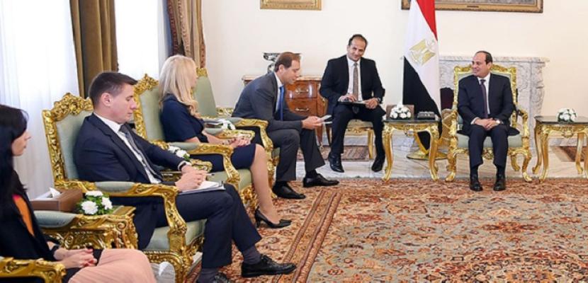 الرئيس السيسي يبحث مع وزير روسي زيادة التعاون الاقتصادي بين البلدين