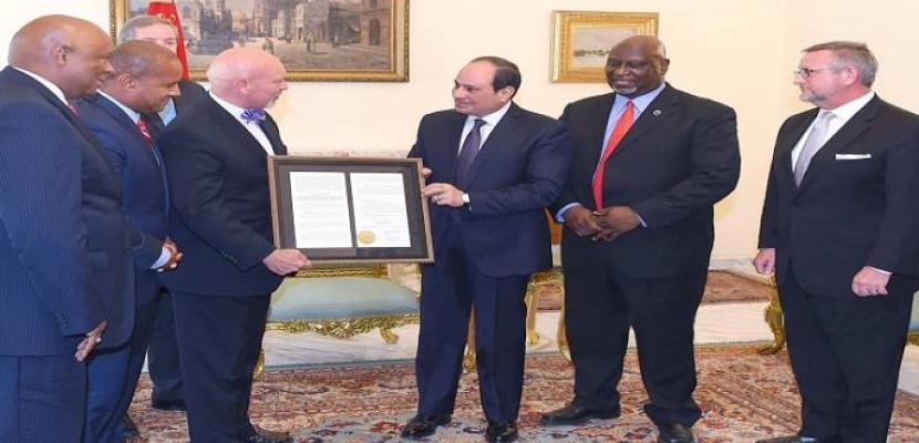 السيسي لوفد أمريكي: سياسة مصر ثابتة فى الحفاظ على مؤسسات الدولة