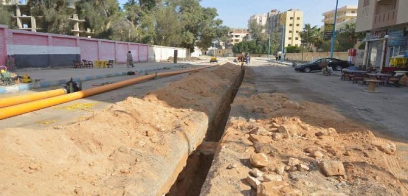 الإسكان : تنفيذ 20 مشروعا لمياه الشرب بالوادى الجديد بتكلفة 309 ملايين جنيه
