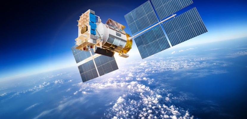 الصين تطلق قمرا صناعيا جديدا لمسح بيئة الفضاء